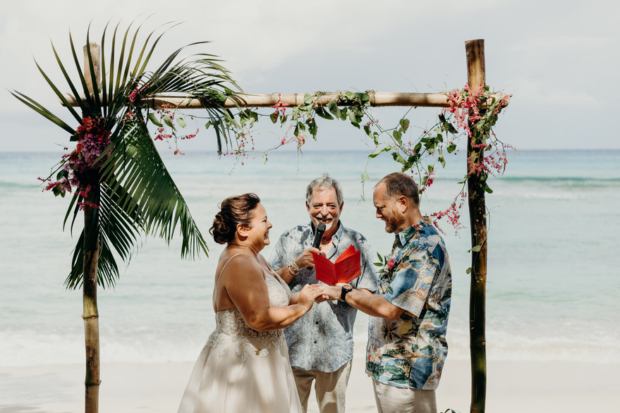 Scuba Diving Wedding on Cane Bay Beach on St. Croix in the US Virgin Islands |  | Christiansted | Caribbean Wedding | St. Croix Wedding Photographer | St. John Wedding | Tropical Honeymoon | Destination Honeymoon | Engagement Photos | Cruz Bay St John | Destination Honeymoon Photos | Caribbean | Destination Wedding Photographer | Traveling Photographer | Scuba Diving Couples | Unique Wedding Photos | Fun Couples | Elopement | Adventurous Island Elopement | Virgin Islands | Meredith Zimmerman Photography