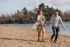 shooting maternité sur la plage à Angers