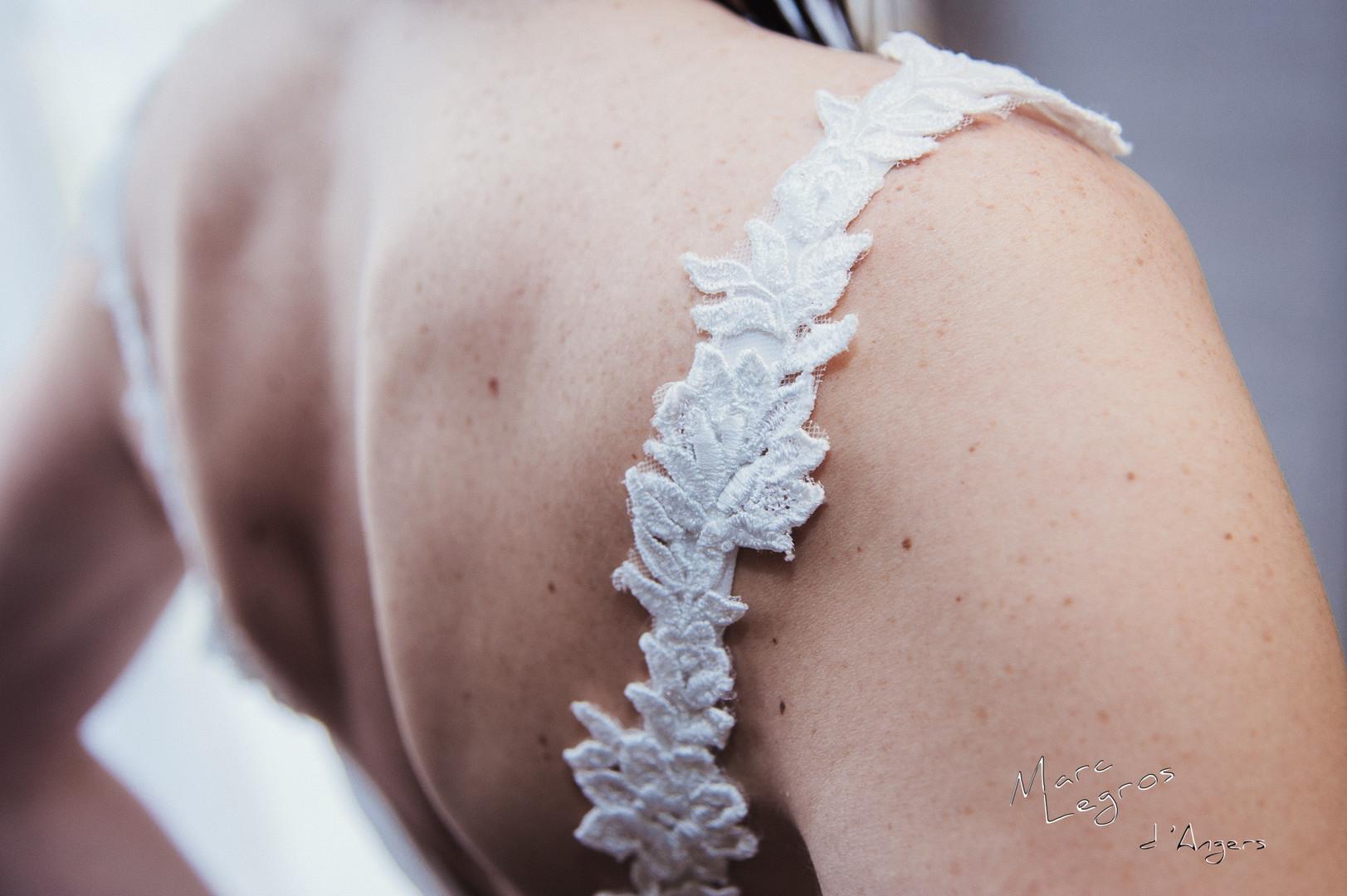Photographe angers mariage Detail dentelle