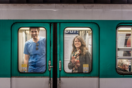 shooting couple paris metro