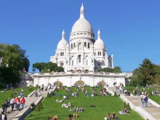 Majestic Sacre Coeur and Espace Dali in Montmartre