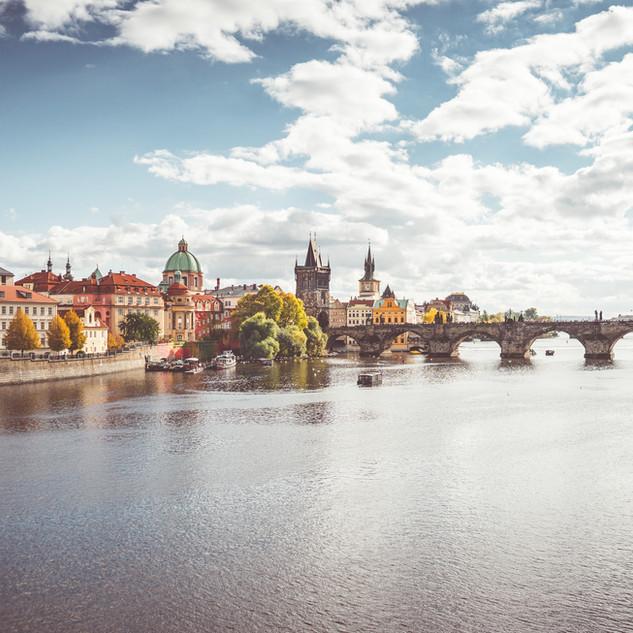 prague-vltava-river-and-charles-bridge-i