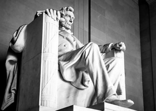 Lincoln side front S19-1207.jpg
