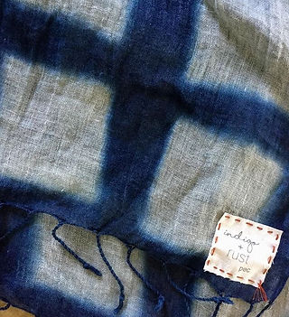 Fresh and hot. Linen shawls thirsty for