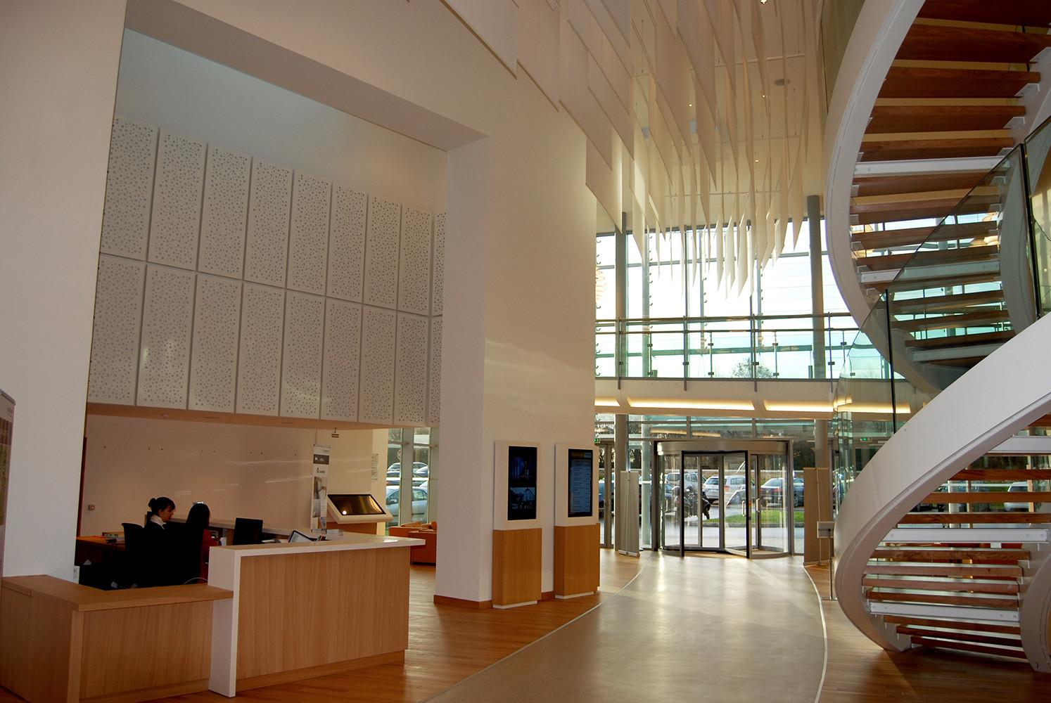 Hall & lobby
