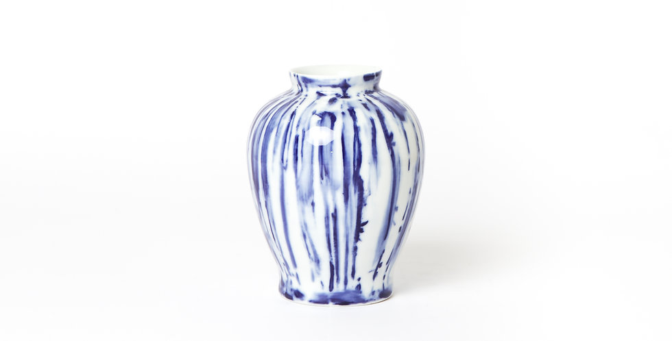 SMALL BLUE & WHITE VASE