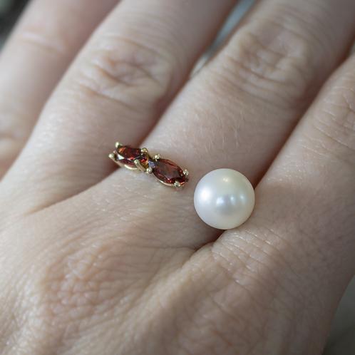 Pearl & Garnet Ring