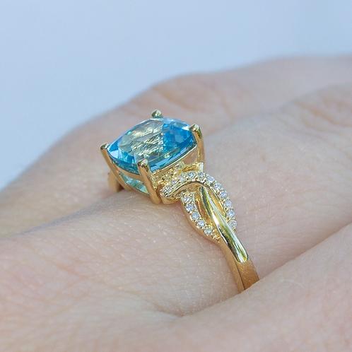 Yara Blue Topaz Ring