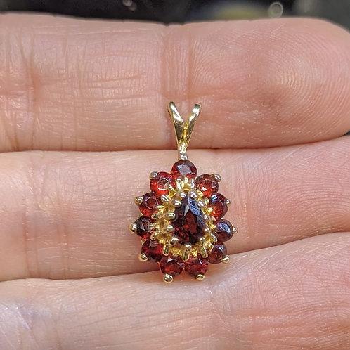 Vintage Garnet Pendant in Gold