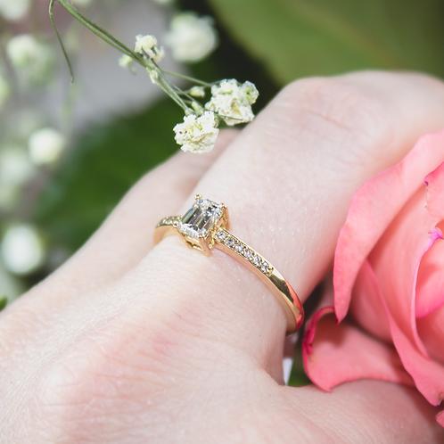 Emerald Cut Diamond Ring in Yellow Gold