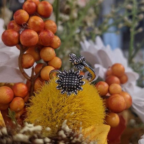 Adjustable Sunflower & Bee Ring