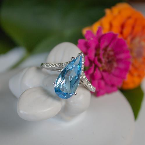 4ct Swiss Blue Topaz Ring