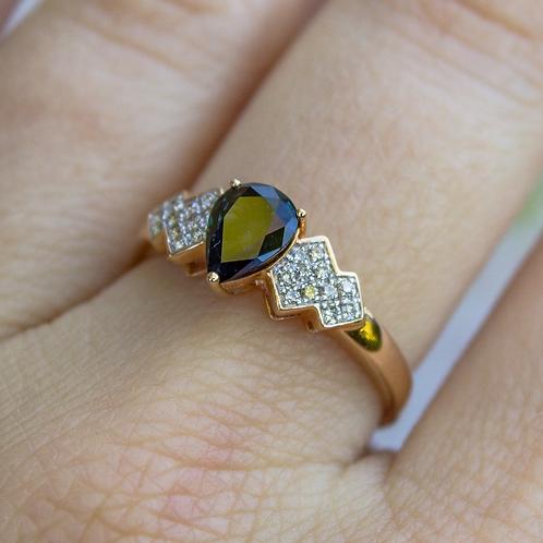 Lynne Sapphire Ring