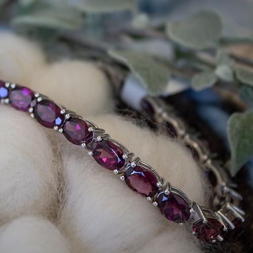 20ct TW Rhodolite Garnet Bracelet