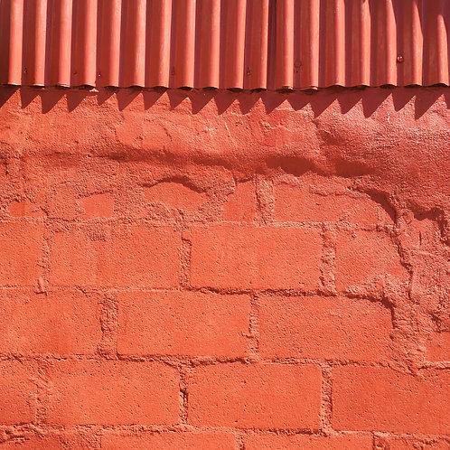Wall with sharp teeth