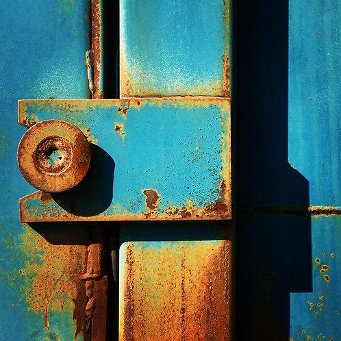 Luminous rust