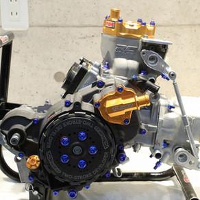 ☆NOW on SALE☆MC28 乾式コンプリートエンジン【 300cc 】