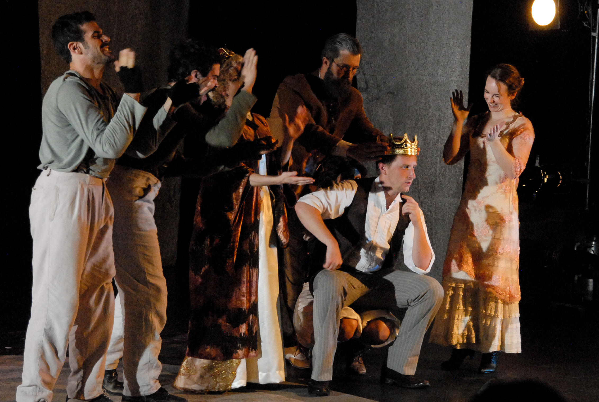 Four Clowns presents Hamlet