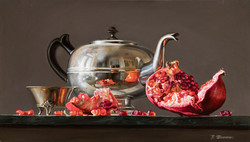Kettle with pomegranate
