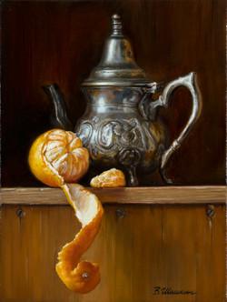 Teapot with tangerine