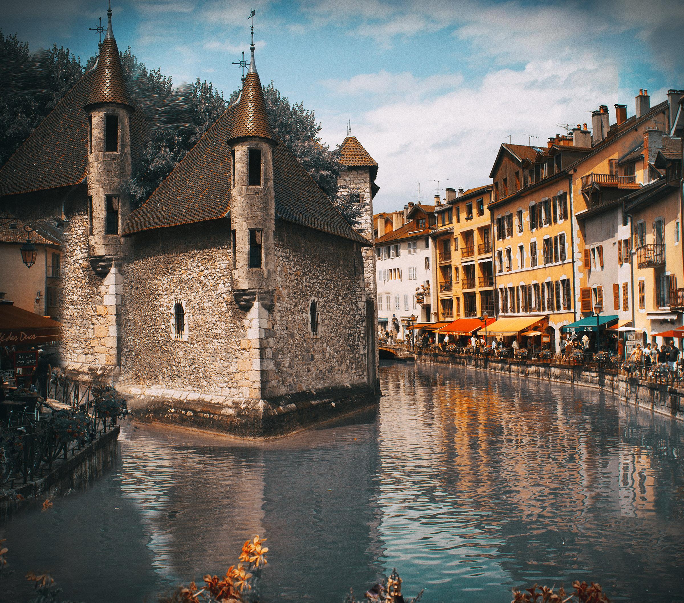 The Palais de l'Isle and Thiou river DP.jpg