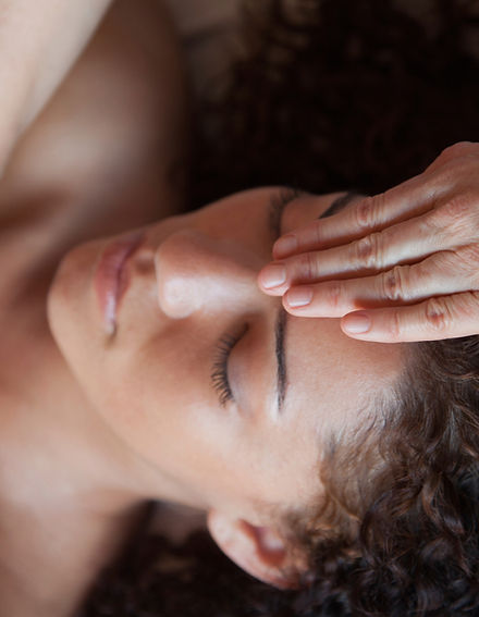 CranioSacral Therapy to a patient by Nicole Longwell in Dunedin Florida