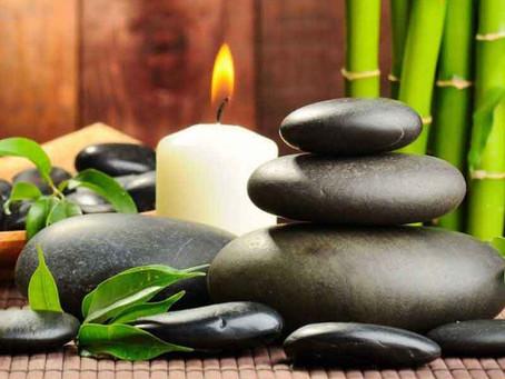 Modelage aux pierres chaudes : le massage relaxant par excellence