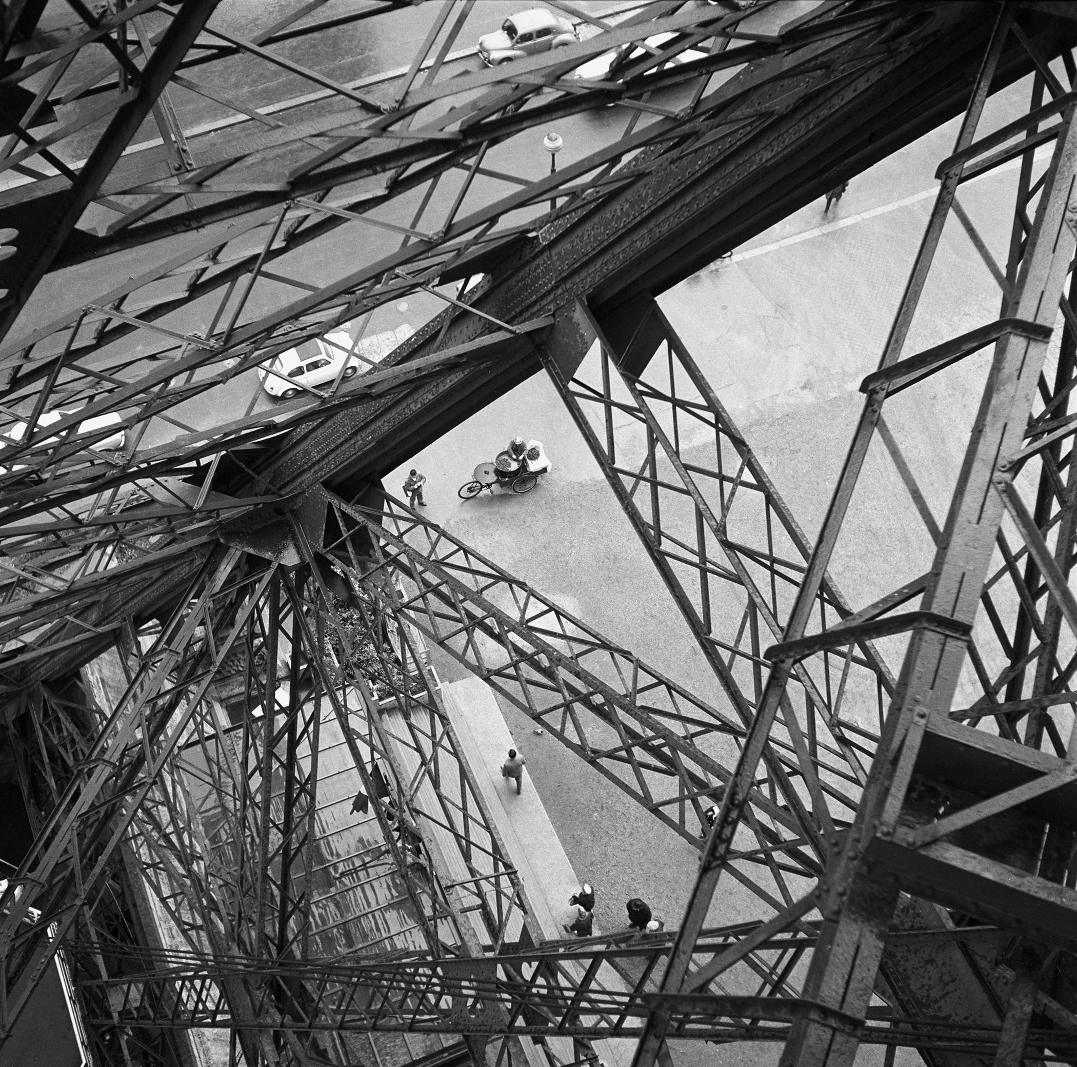 EIFFEL TOWER STRUTS - 1948