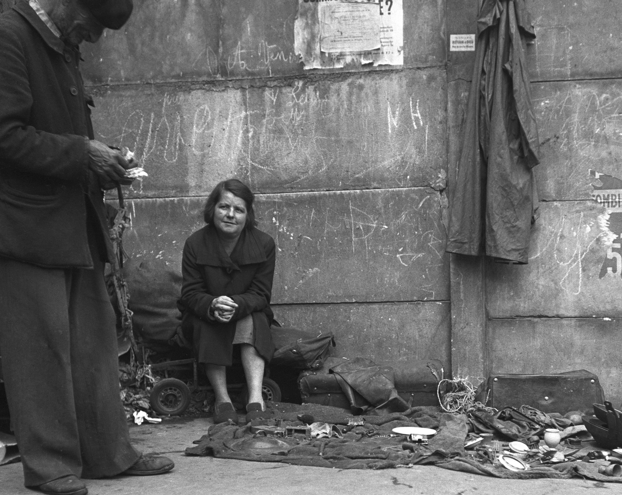 SIDEWALK LADY - 1948
