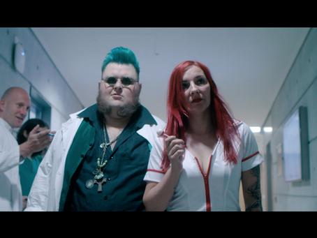 "Neues Musikvideo: ""Green Blood"""