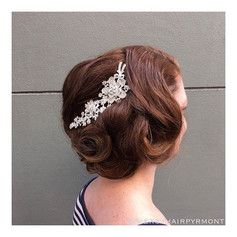 Stunning 1920's inspired styling with th