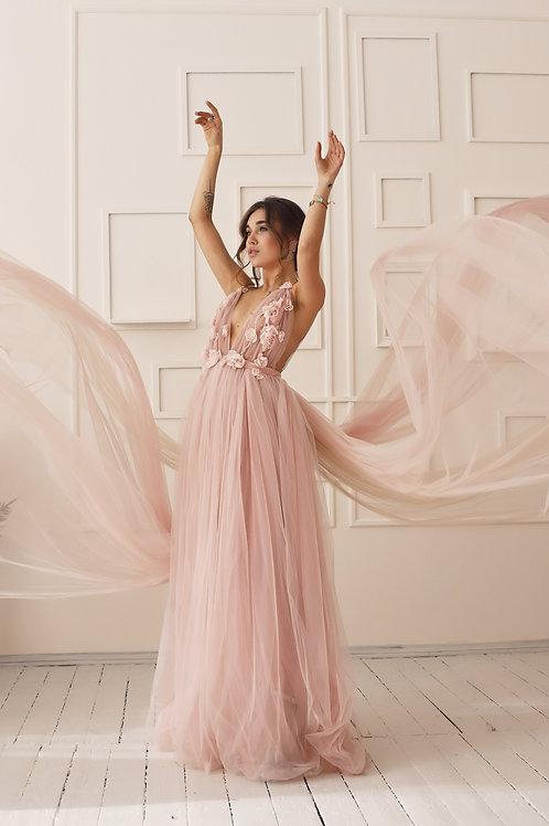 Розовое со шлейфом (подходит беременным)