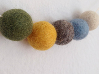 Felt Ball Garland Fan