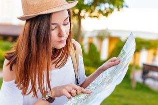guia-viajes-turismo-europa-mujer-turista