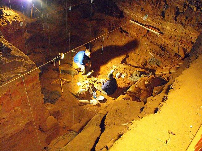 Wonderwerk cave and Myra Gohodzi.jpg