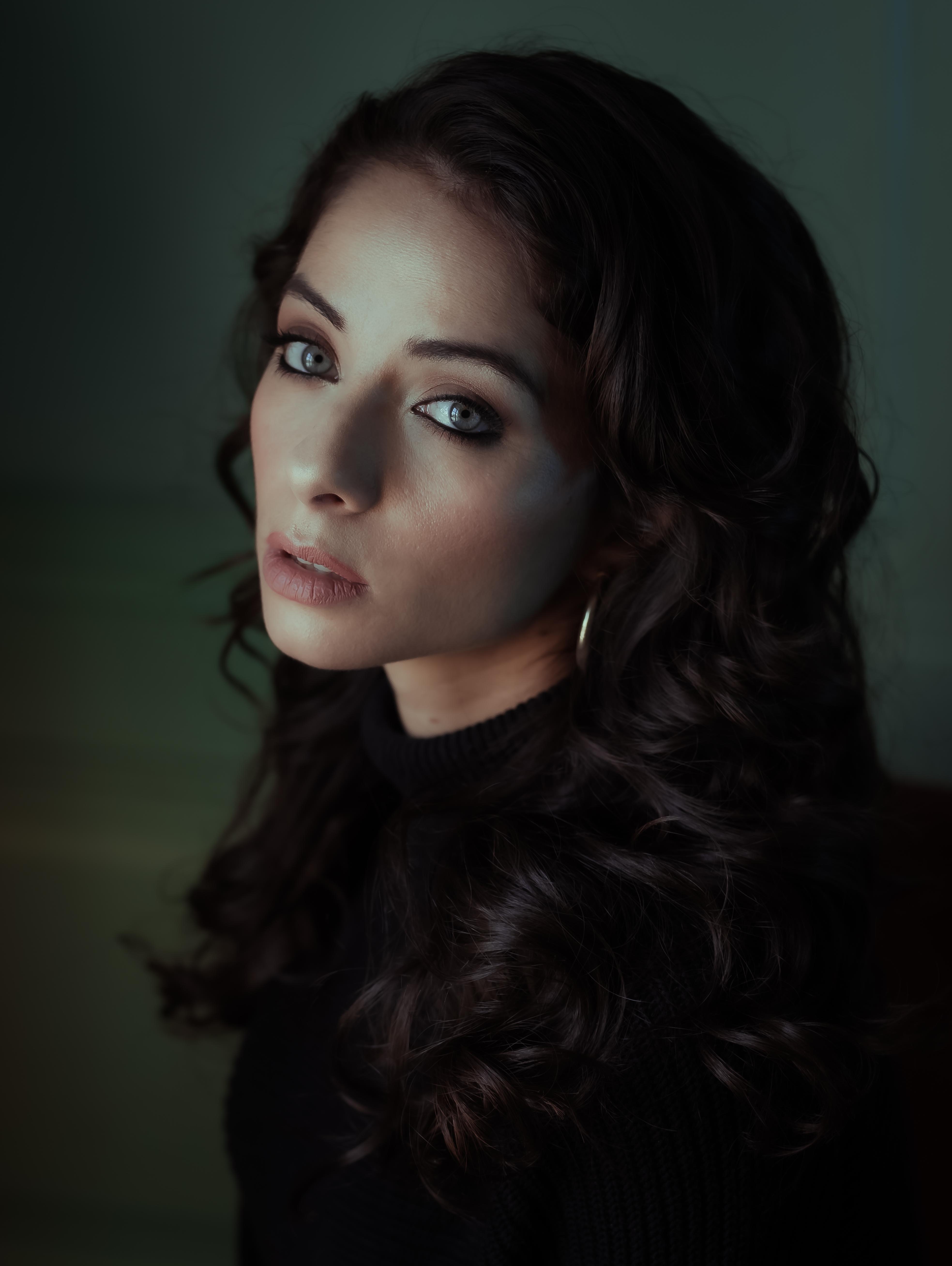 Model: Miki Kraviz