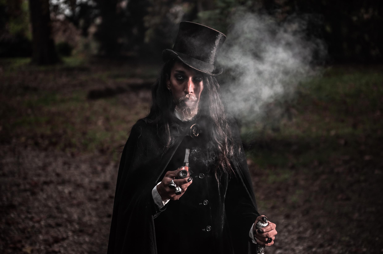 model: Salem Dark