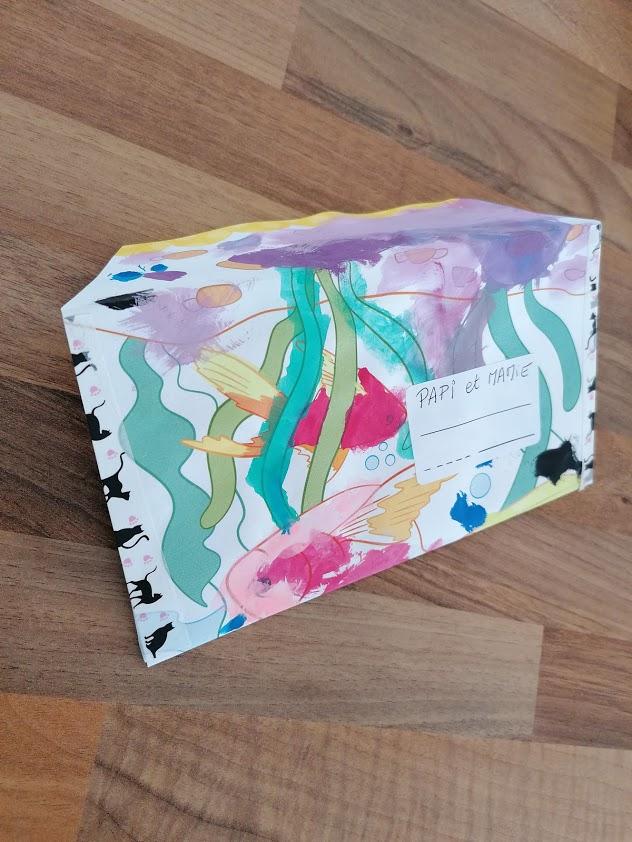 Enveloppe décorée avec les dessins des enfants Portez Vous Bien