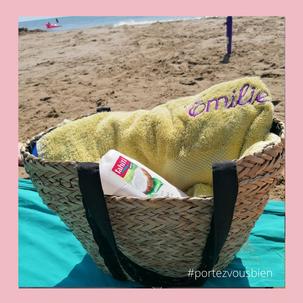 le sac de plage avec un flacon de gel douche pour cacher les effets personnels, une cachette ni vu  ni connu