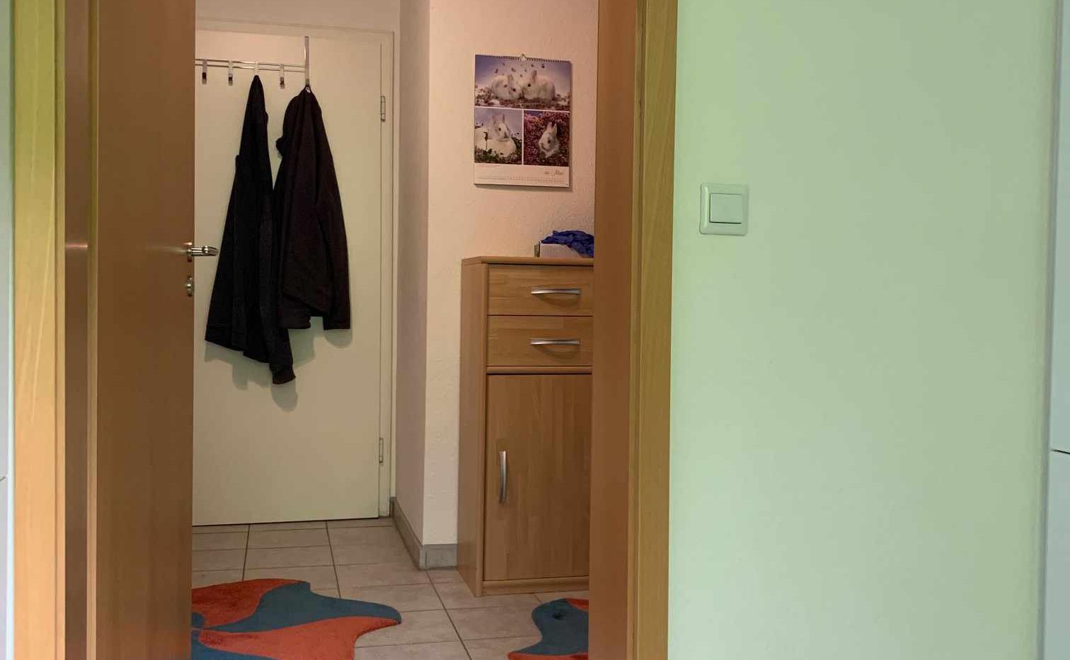 Wohnweisend_Immobilien_Blick_Kueche_Flur