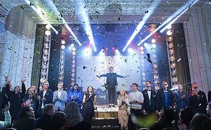 Rokas Magician, Magician in Las Vegas, Mgician in Los Angeles, Stage Magic, Crowd Magic