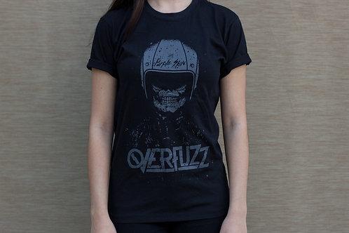Camiseta preta com estampa purple skin
