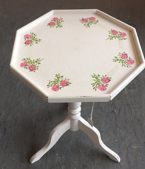Rose sprays decoupaged occasional table