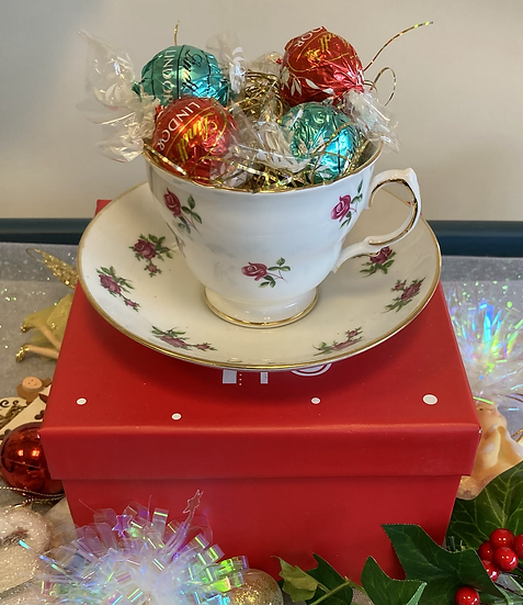 Vintage Cup & Saucer Gift Box