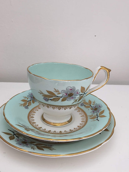 Sutherland Bone China Tea set (part)