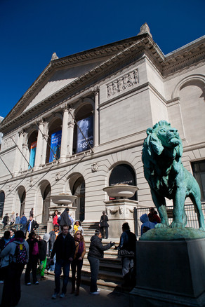 Art Institute Lion Statue and Entrance
