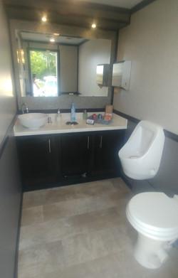 new bath pic 4.jpg