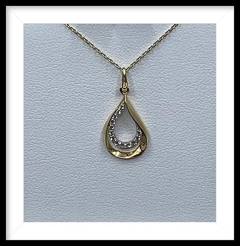 9ct Gold teardrop pendant
