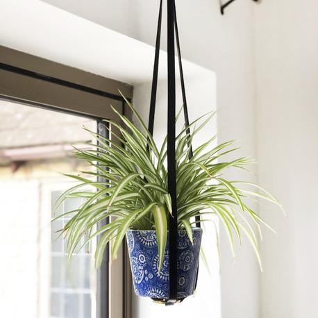 Black long plant hanger