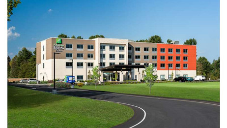 Holiday Inn Express & Suites-Chicago-2.j